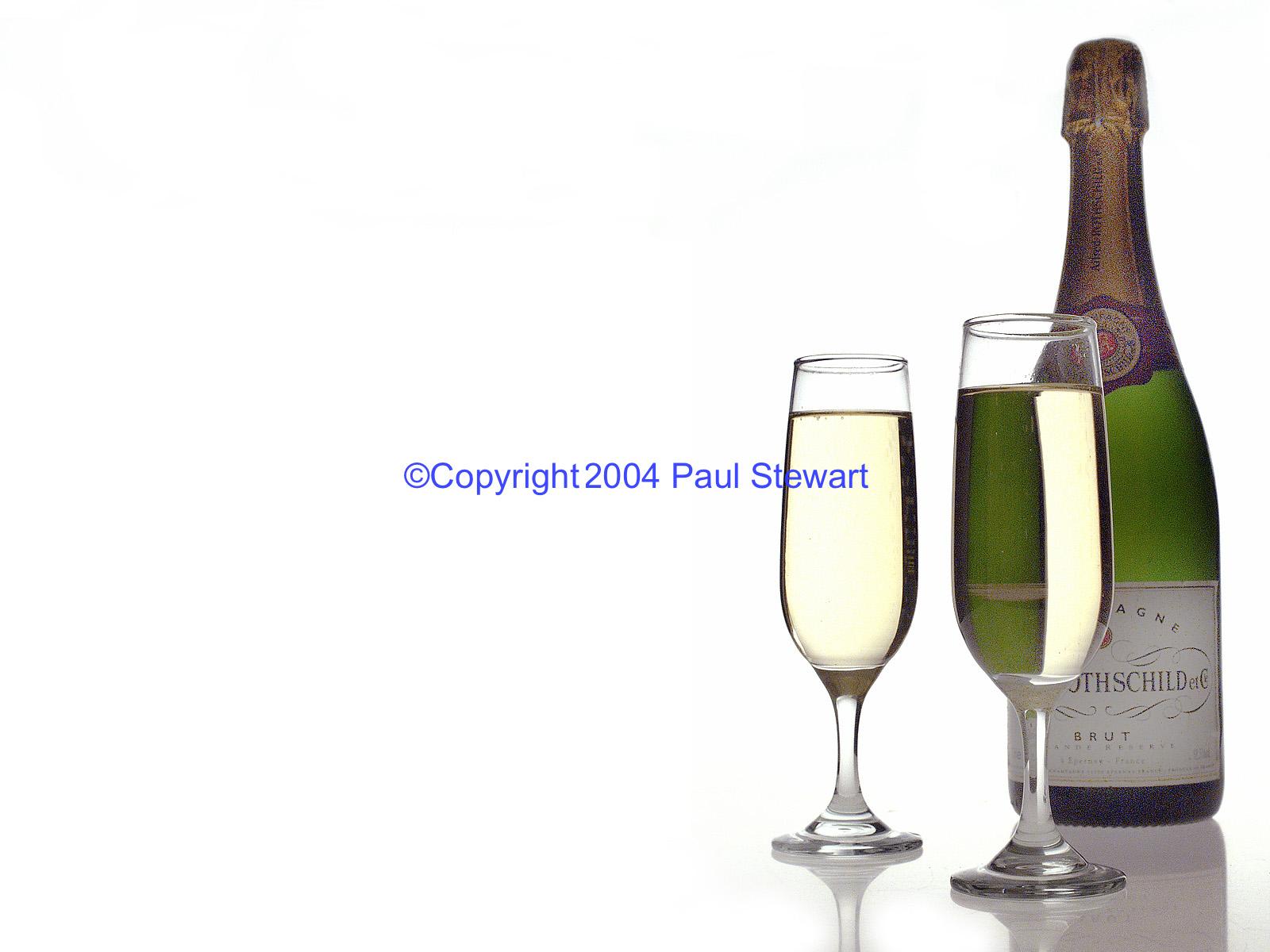 Champagne Glasses / Bottle ©Paul Stewart/Retna 2005 Credit All Uses Digital File Only